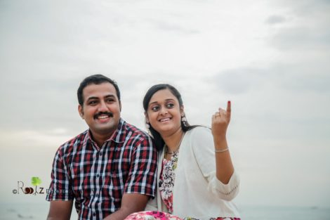 Vivek - Saranya Outdoor Candid Photoshoot Pondicherry